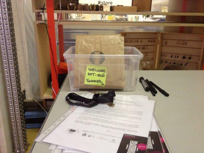 Il welcome kit per i makers coinvolti nella Maker In Residence