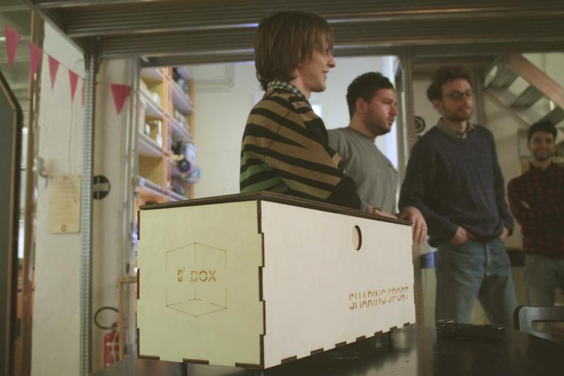 Sharebox, la panchina IOT condivisa che contiene attrezzi e oggetti per fare sport all'aria aperta